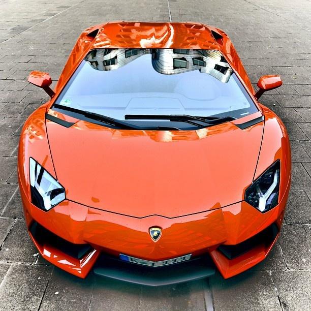 Beautifull Orange Lamborghini Aventador